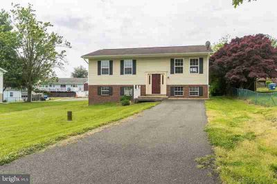 3705 29th St CHESAPEAKE BEACH Three BR, This home is move in