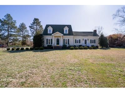 3 Bed 2 Bath Foreclosure Property in Benson, NC 27504 - Tarheel Rd