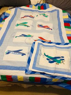 Airplane quilt twin bed