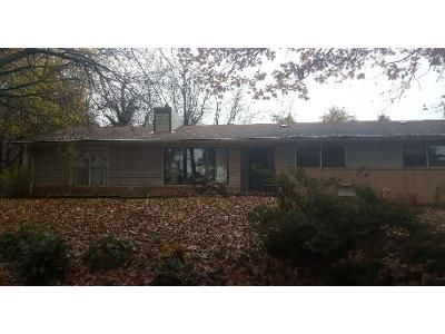 3 Bed 1.5 Bath Preforeclosure Property in Asheville, NC 28805 - Austin Dr