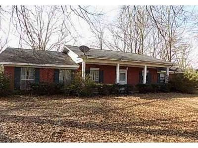 3 Bed 2 Bath Foreclosure Property in Mantee, MS 39751 - Main St