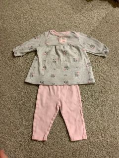 Like new 3-6 month outfit