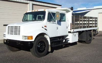 2001 International 4900 Stakebed with Dump