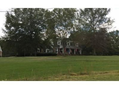 4 Bed 3 Bath Foreclosure Property in Tuscumbia, AL 35674 - Colburn Mountain Rd