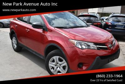 2015 Toyota RAV4 LE AWD 4dr SUV (Red)