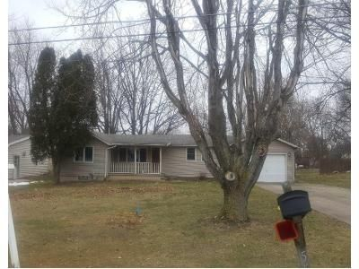3 Bed 1 Bath Preforeclosure Property in Amherst, OH 44001 - Virginia Dr