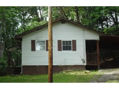 2 Bed 1 Bath Foreclosure Property in Clinton, TN 37716 - Pine Rd