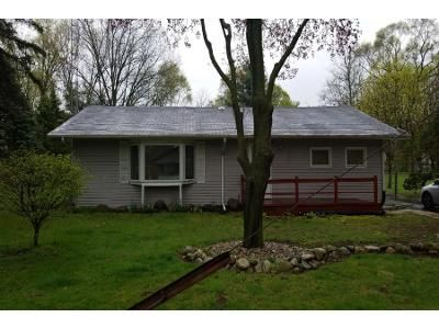 3 Bed 1.0 Bath Preforeclosure Property in South Bend, IN 46637 - Francis St