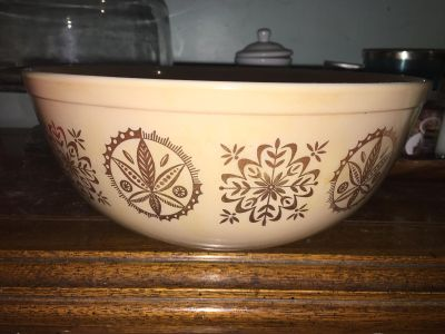 Pyrex promotional hex signs mixing bowl