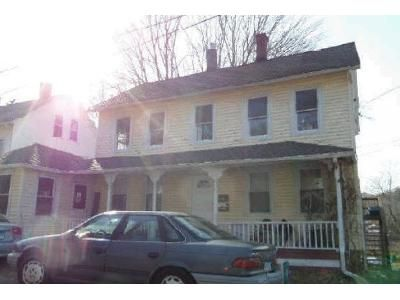 4 Bed 2 Bath Foreclosure Property in East Hampton, CT 06424 - Starr Pl