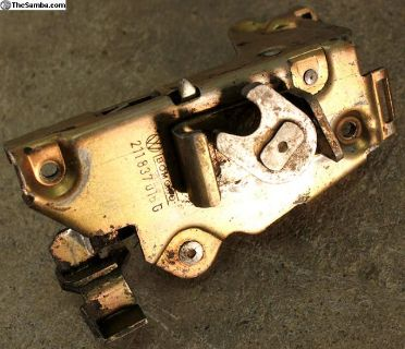 69-73 Bus Right Front Door Latch