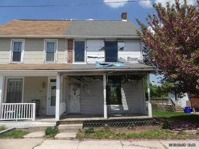 3 Bed 1.5 Bath Foreclosure Property in New Freedom, PA 17349 - N Constitution Ave