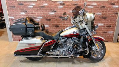 2006 Harley-Davidson CVO Screamin' Eagle Ultra Classic Electra Glide Cruiser Motorcycles Dimondale, MI