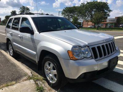 2010 Jeep Grand Cherokee Laredo (Bright Silver Metallic)