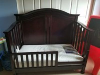 Crib to full bed set with toddler mattress