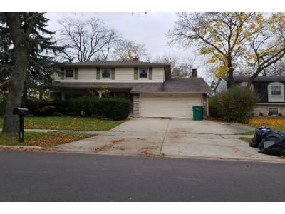 5 Bed 2 Bath Preforeclosure Property in Buffalo Grove, IL 60089 - Sussex Ct