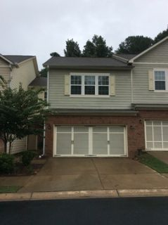 Beautiful 2 Bdrm/2.5 Bath Townhome In Lawrenceville!