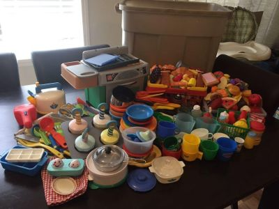 Large Lot of Misc Play Food & Dishes