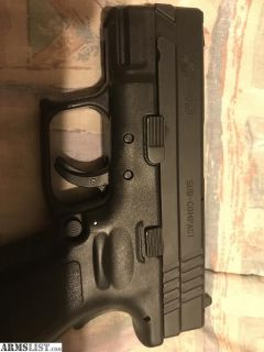 For Sale: Like new Springfield XD-40 compact