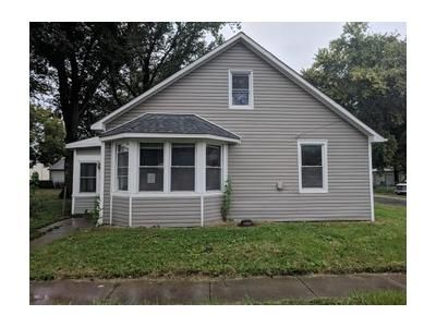 3 Bed 1 Bath Foreclosure Property in Mascoutah, IL 62258 - N Jefferson St