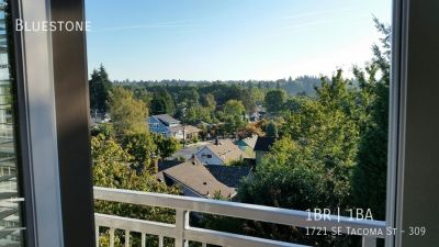Single-family home Rental - 1721 SE Tacoma St