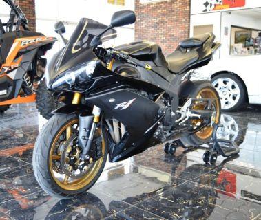 2008 Yamaha R1 R1 (Black)