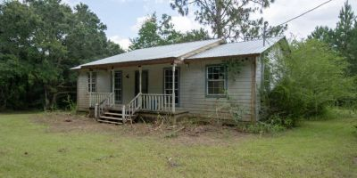 Home With 30 Acres of land In Robertsdale!