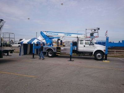 Sign Crane Truck for Sale-Socage 94TW Sign Truck Mounted on a 2016 Ford F750 XL For Sale