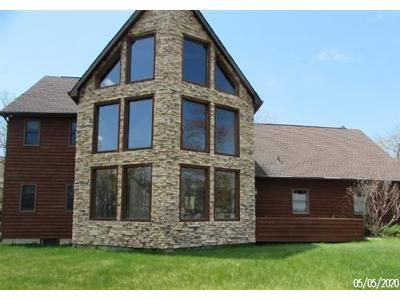 4 Bed 2 Bath Foreclosure Property in Hazleton, PA 18202 - Pine Valley Ln