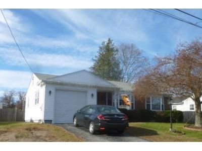 3 Bed 1 Bath Foreclosure Property in Riverside, RI 02915 - Woodcrest Dr