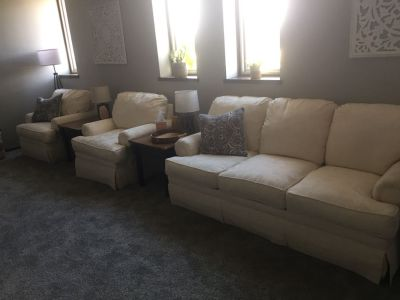Beautiful Couch and two Chairs Set (like New)