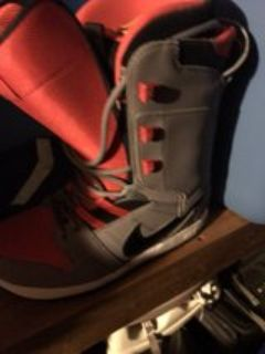 size 8 Nike snowboard boots