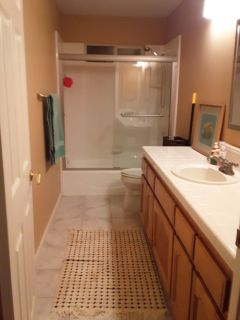 Room for rent 12x13 private bathroom all utilities included