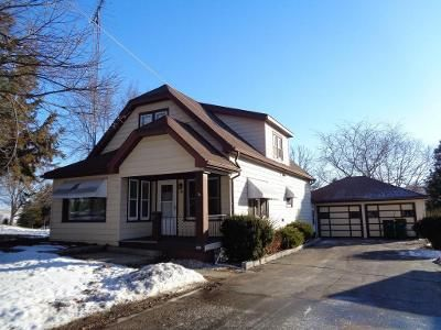4 Bed 2 Bath Foreclosure Property in Iron Ridge, WI 53035 - East Ave