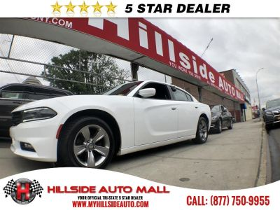 2016 Dodge Charger 4dr Sdn SXT RWD (Bright White Clearcoat)