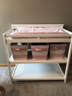 Used white changing table in GUC! Pad included!
