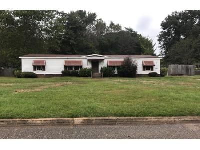 1.0 Bath Preforeclosure Property in Prattville, AL 36067 - Parkwood Dr