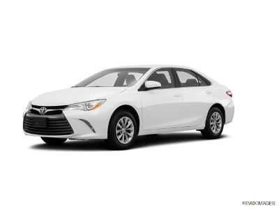 2016 Toyota Camry XLE (Blizzard Pearl)