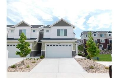 Amazing and Spacious 3 Bed 2. 5 Bath End Unit Bluffdale Town Home