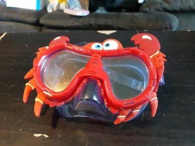 Crab goggles