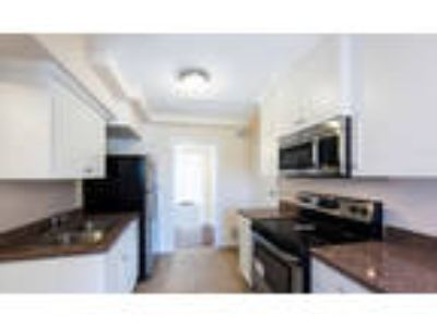 Now Leasing - HOLIDAY MOVE IN SPECIAL-!
