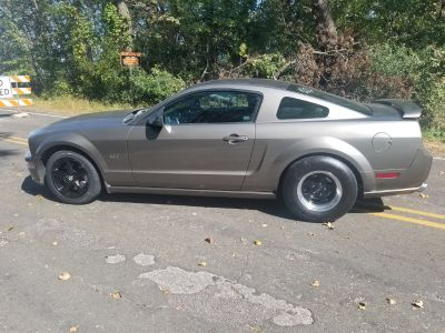2005 mustang gt. 113k. Drag race price dro