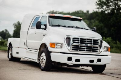 2001 FORD F650 SUPERCREWZER IMMACULATE TRUCK