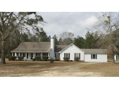 3 Bed 3 Bath Foreclosure Property in Jesup, GA 31545 - Cruz Rd