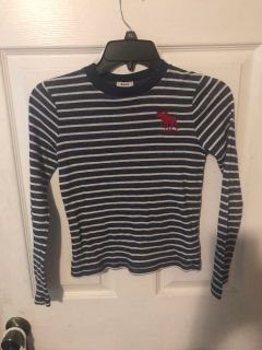 Abercrombie kids thermal type top size kids sm. Great cond. no pilling.