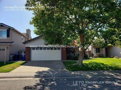 Lovely 3 bed 2 bath Folsom Home! Loaded with amenities