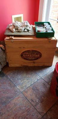SURVIVOR BOX FROM THE AMAZON SERIES...24L 19D 17T