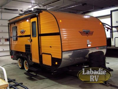 2017 Riverside Rv Retro 819R