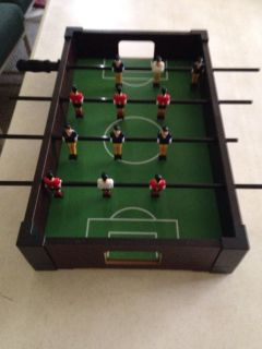 Toy soccer game