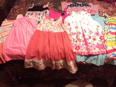Girls lot of clothes 4 and 5 T used bit in good condition.